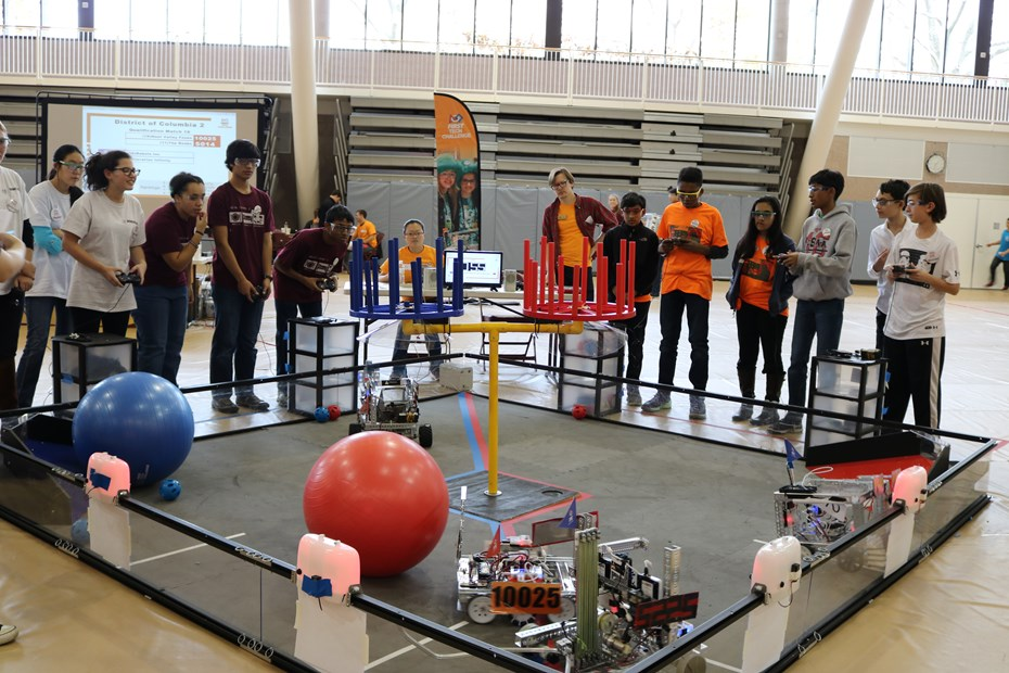SFS Hosts Robotics Tournament